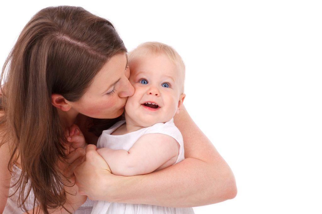 Babysitterin mit Baby