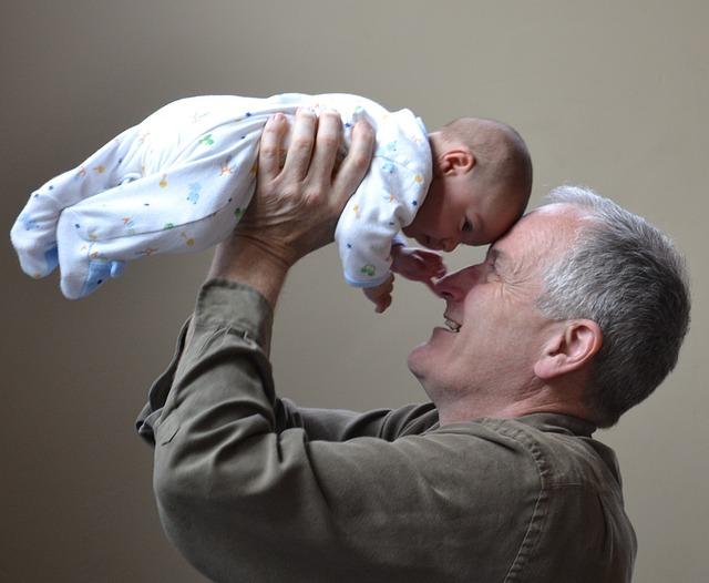 Hilfe im stressigen Familienalltag: Ein Hoch auf die Großeltern!