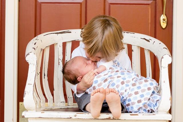Eine Nanny für Neugeborene